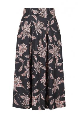 Knee Length Box Pleat Jersey Skirt with Pockets