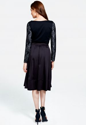 Box pleat silky skirt